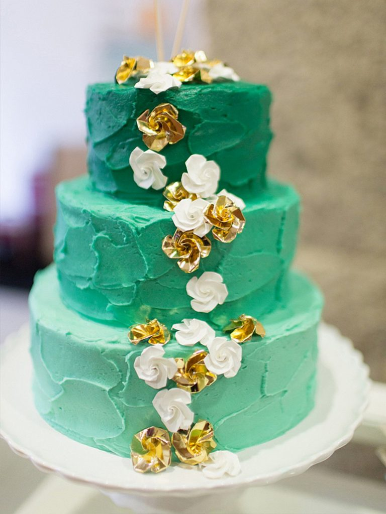 nevestinska torta so ombre efekt
